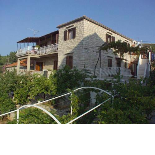Apartments by the sea Milna, Brac - 735